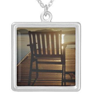 Collier Les Etats-Unis, Maine, Rockwood. Une chaise avec