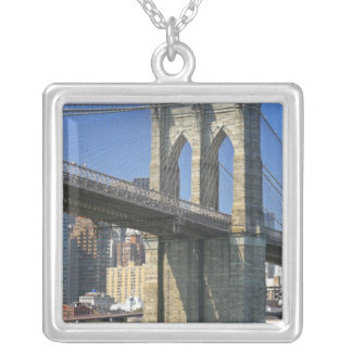 Collier Les Etats-Unis, New York, New York City. Pont de