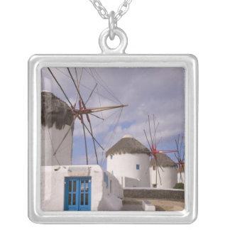 Collier Les moulins à vent de Mykonos sur les îles