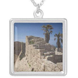 Collier Les ruines de Césarée du port ont construit par