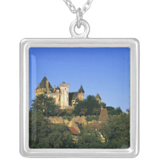 Collier L'Europe, France, Montforte. Le château médiéval