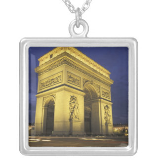 Collier L'Europe, France, Paris. Arc de Triomphe