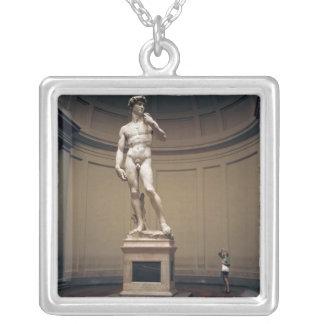 Collier L'Europe, Italie, Florence. L'échelle grandeur de