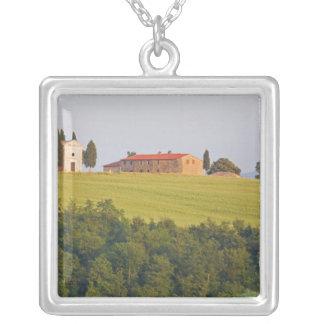 Collier L'Europe ; L'Italie ; La Toscane, Chaple sur la