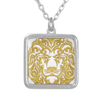 Collier lion d'or dans la couronne - imitation de broderie