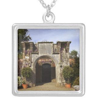 Collier L'Irlande, le jardin muré par château de Dromoland