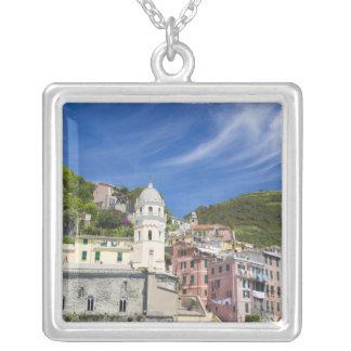 Collier L'Italie, le Cinque Terre, le Vernazza, le port et