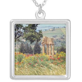 Collier L'Italie, Sicile, Agrigente. Les ruines du
