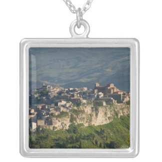 Collier L'Italie, Sicile, Enna, Calascibetta, vue 2 de