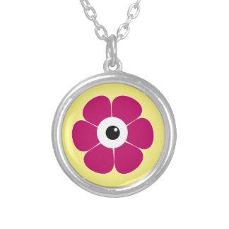 Collier l'oeil de la fleur rose