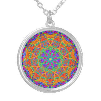 Collier Mandala orange de contraste