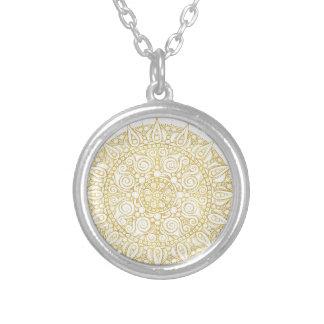 Collier Mandala vintage oriental élégant en or classique