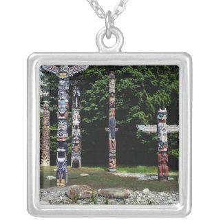 Collier Mâts totémiques, Vancouver, Colombie britannique
