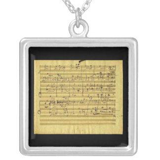 Collier Messiah dans la main de Beethoven