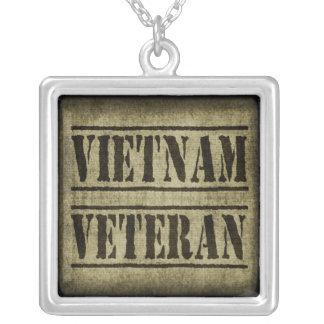 Collier Militaires de vétéran du Vietnam