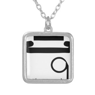 Collier monical
