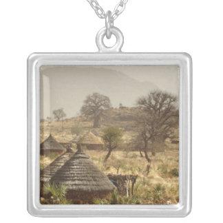 Collier Montagnes de Nuba, village de Nugera