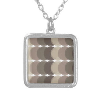 Collier Motif de Brown