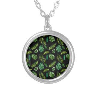 Collier Motif tropical Tiki floral fait main de feuille