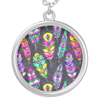 Collier Obscurité tribale colorée lumineuse au néon de