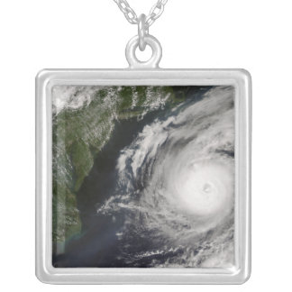 Collier Ouragan Alex 2