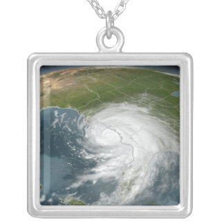 Collier Ouragan Dennis 2