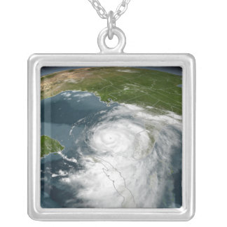 Collier Ouragan Dennis 3