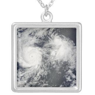 Collier Ouragan Felicia et tempête Enrique à l'est de baie
