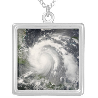 Collier Ouragan Felix 3