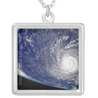 Collier Ouragan Frances 2