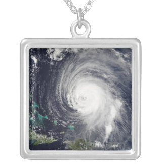 Collier Ouragan Isabel 2