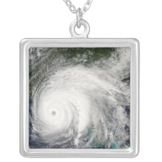 Collier Ouragan Ivan 2