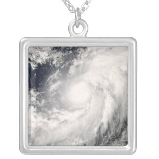 Collier Ouragan Omar