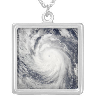 Collier Ouragan superbe Lupit