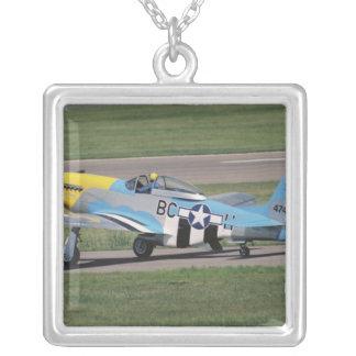 Collier P-51 nord-américain D brillant Donna sur