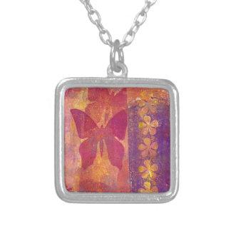 Collier Papillons et fleurs