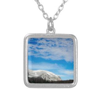 Collier Paysage blanc de ciel bleu de montagne