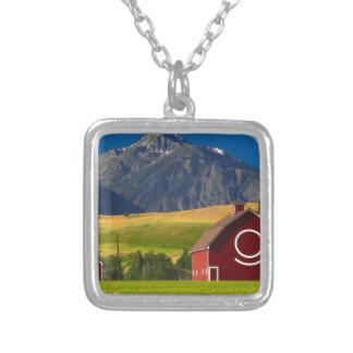 Collier Paysage pittoresque de montagne