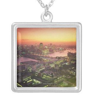 Collier Paysage urbain lumineux