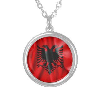 Collier pendant rond de drapeau de l'Albanie