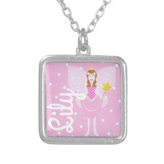 Collier Pendentif/collier assez roses de carré de fée