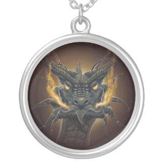 collier pendentif tête de Dragon