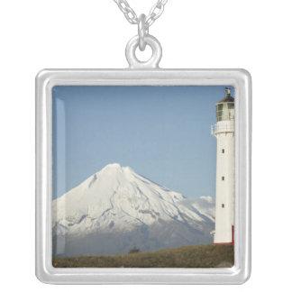 Collier Phare et Mt Taranaki/Mt d'Egmont de cap