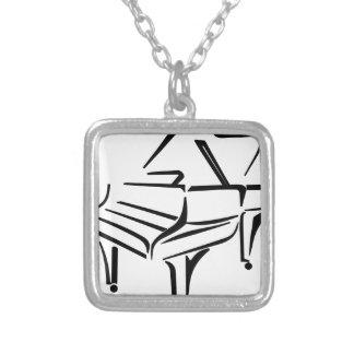 Collier Piano stylisé