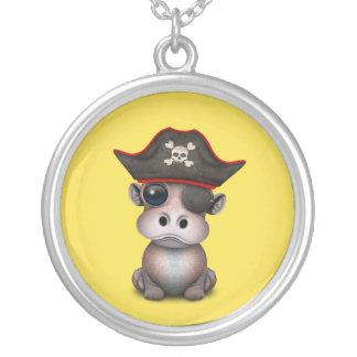 Collier Pirate mignon d'hippopotame de bébé