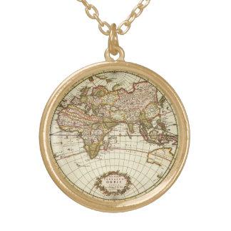 Collier Plaqué Or Carte antique du monde, C. 1680. Par Frederick de