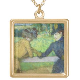 Collier Plaqué Or Edgar Degas | deux femmes se penchant sur une