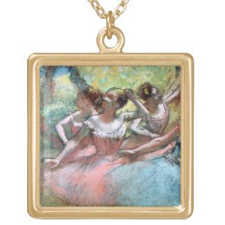 Collier Plaqué Or Edgar Degas | quatre ballerines sur l'étape