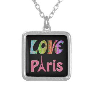 Collier plaqué par argent de Paris d'amour