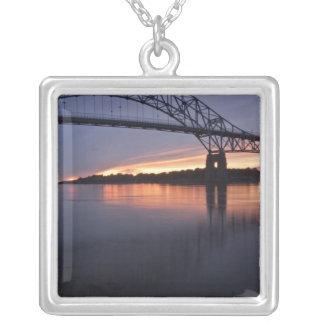 Collier Pont de Sagamor au-dessus du canal de Cape Cod, 2